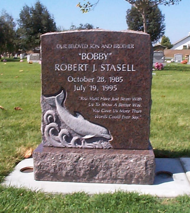 Stasell Dolphin Upright Headstone