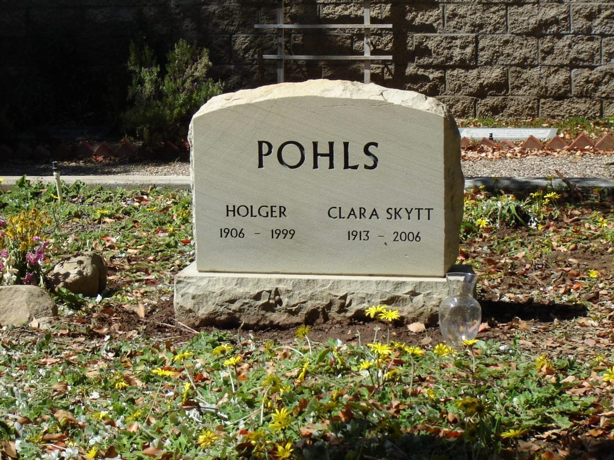 Pohls Upright Tablet Memorial